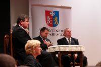 5. Goście honorowi debaty - Wojewoda podkarpacki - Mirosław Karapyta, Marszałek województwa - Zyg_800x533